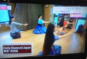 本校のボリウッドダンスクラスは、フジテレビ「スーパーニュース」に取り上げられ、話題となりました!