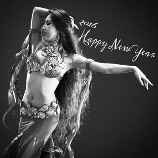 新年、明けましておめでとうございます。 昨年は素晴らしいご縁や、美しい出会いを沢山頂き幸せな年となりました。 本年も、愛する踊りの世界に情熱を持ち続け、今出来ることに心を込めて向き合い、夢や目標に向かって笑顔で進んで行きたいと思います。 今年も更に芸術性を高め、Emily Diamond Japanの皆様と共に新たな事に積極的に挑戦して参りたいと思っております。 一年一年、皆様との美しく濃い時間が深まり、2016年はどのような素晴らしい出来事が待ち受け、共に感激することが出来るのか楽しみで仕方ありません。 皆様の夢が叶い、愛と美に溢れた年になりますように(*^^*) 本年もどうぞ宜しくお願い申し上げます。