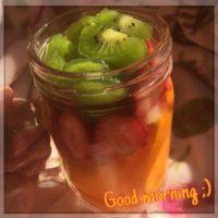 朝はフルーツをたくさん食べで幸せに(*^^*)