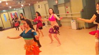 ベリネシアンはお陰様で予備機を使用しレッスン指導をすることが出来ました。 来週は安心して楽しく踊れることを祈っております。 皆様の笑顔にホッと心が和みました。
