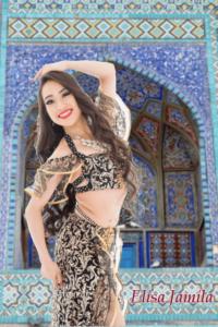 """ベリーダンス(オリエンタルダンス/アラビアンダンス)は3000年以上前の古来エジプトより継承されてきた世界最古の女性のための優美な民族舞踊です。 また、踊りに触れることで女性の真の美しさを引き出していくため、別名""""女神の踊り""""とも言われています。画像は、東京と千葉にあるベリーダンス教室Emily Diamond JapanのElisa先生です。"""